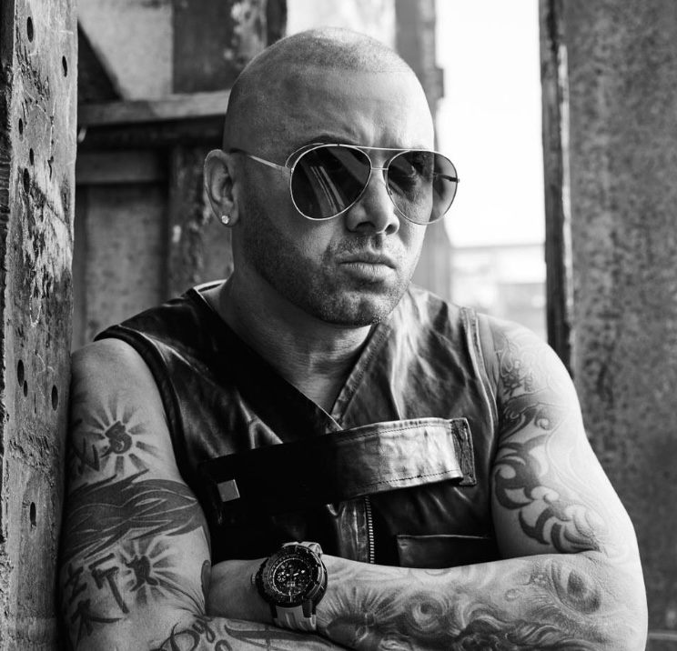 Get Personalized Video Messages from Wisin on Celevideos