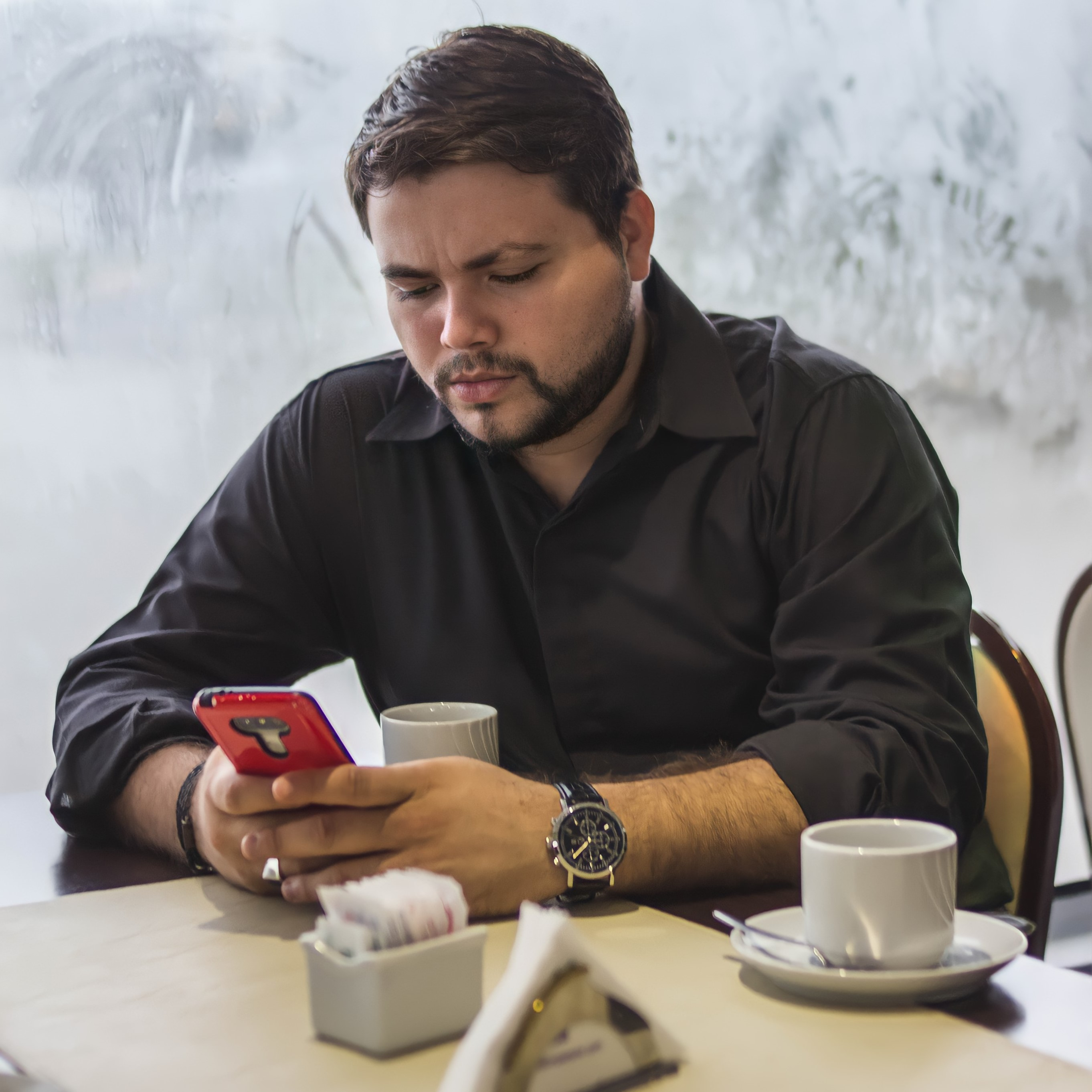Recibe mensajes de video personalizados de Sebastian Britto en Celevideos