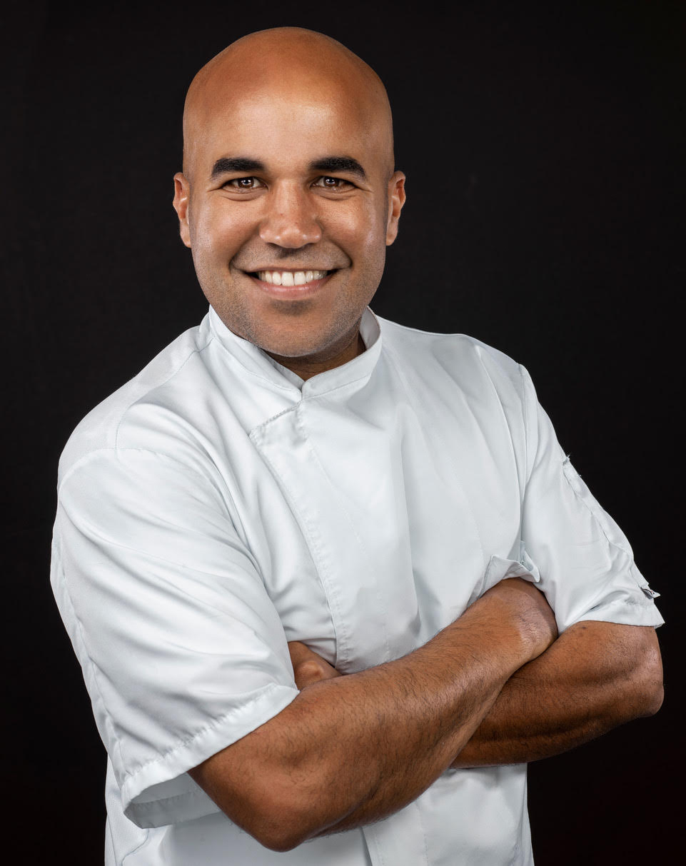 Get Personalized Video Messages from Chef Pineiro on Celevideos